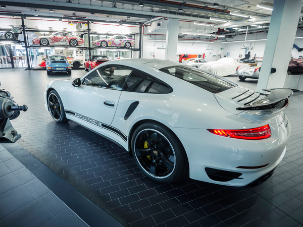 Porsche 911 Turbo S Exclusive GB Edition